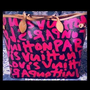 Louis Vuitton Pink Graffiti GM Never full Bag